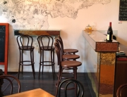 Skleneny-bar-vinoteka-4
